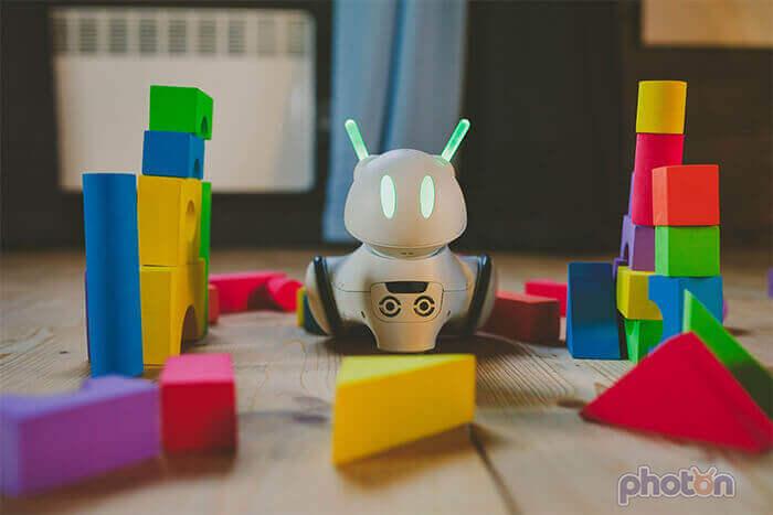 Photon robot uczący dzieci programowania