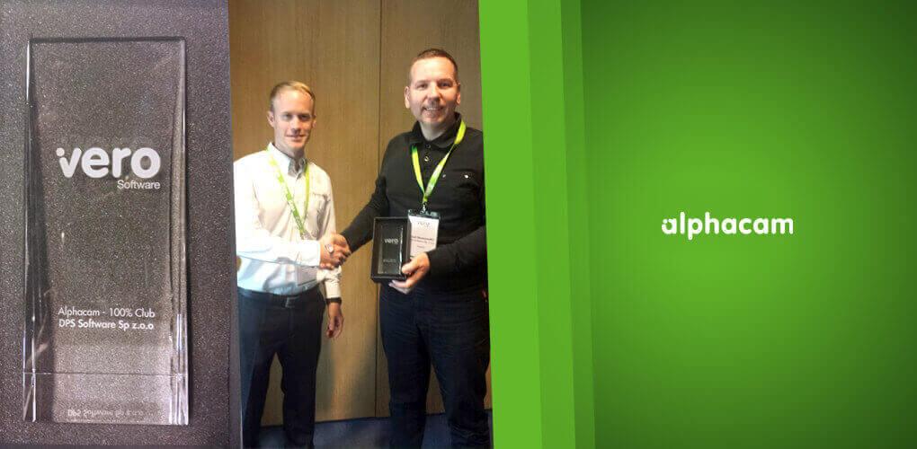 Józef Skoworodko odbiera nagrodę od Vero Software